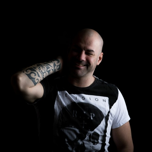 Luminosity presents – Alex Di Stefano