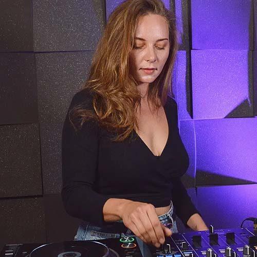 Lebiè – Live at DJanes.net 8.09.2020 – Techno Mix